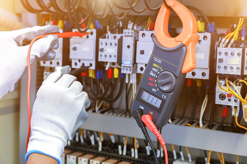 How To Become An Electrician in Leicester Leicestershire